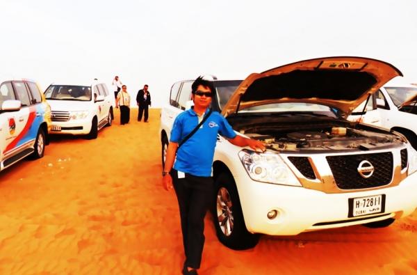 Penulis saat berada di Gurun Mina' Jabal 'Ali di Kota Dubai