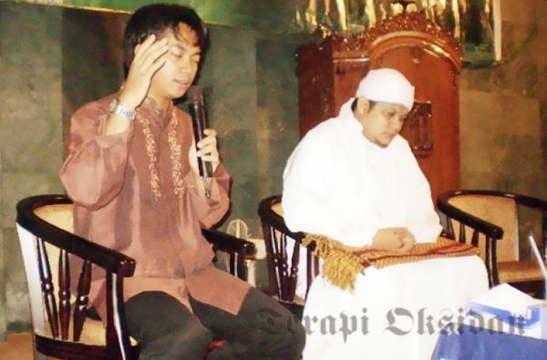 Candra P. Pusponegoro (kiri) bersama Gus Reza M. Syarief
