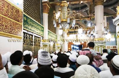Makam Rasulullah Shallallahu 'Alaihi Wa Sallam di Madinah Arab Saudi